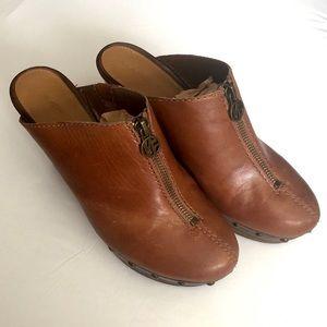 Mark Fisher size 7 leather wedge heel mule
